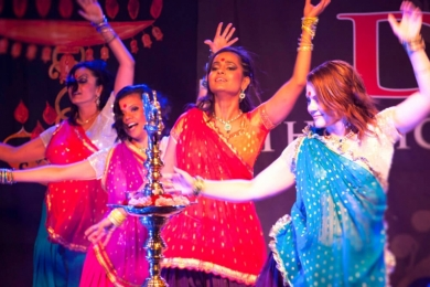 indian bollywood dancers