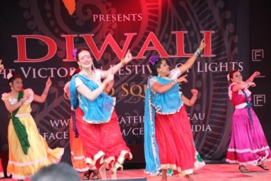 Diw2 Dhinka Chika at Federation Sq Melbourne