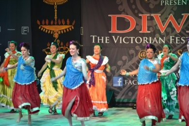 Diw2 El Salvador and Bollywood dance is fun