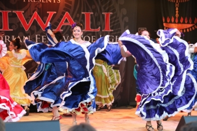 Diw2 Flowing Skirts at Federation Square Ignite Bollywood Performance