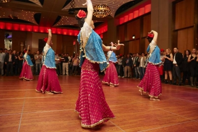 Bollywood dancers show off their moves